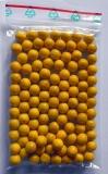 Gelbe Holzkugeln ohne Bohrung